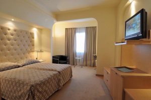club-hotel-casino-loutraki-EXECUTIVE MV ROOM